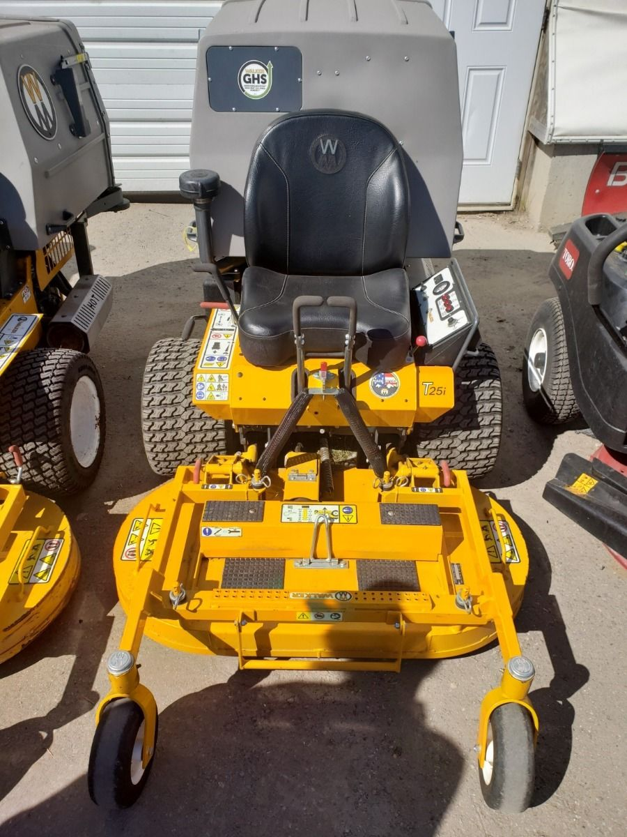 Used 2019 WALKER MT25i WITH DC42-2 DECK