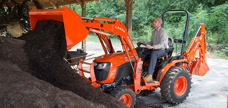 Kubota B2301HSD tractor with loader