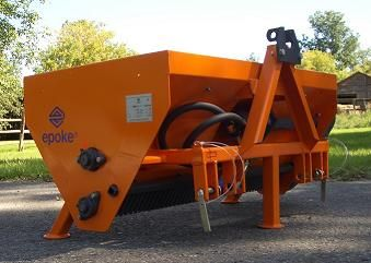 Epoke PMH 1.4 Three-Point Hitch Mounted, Hydraulically Driven Spreader