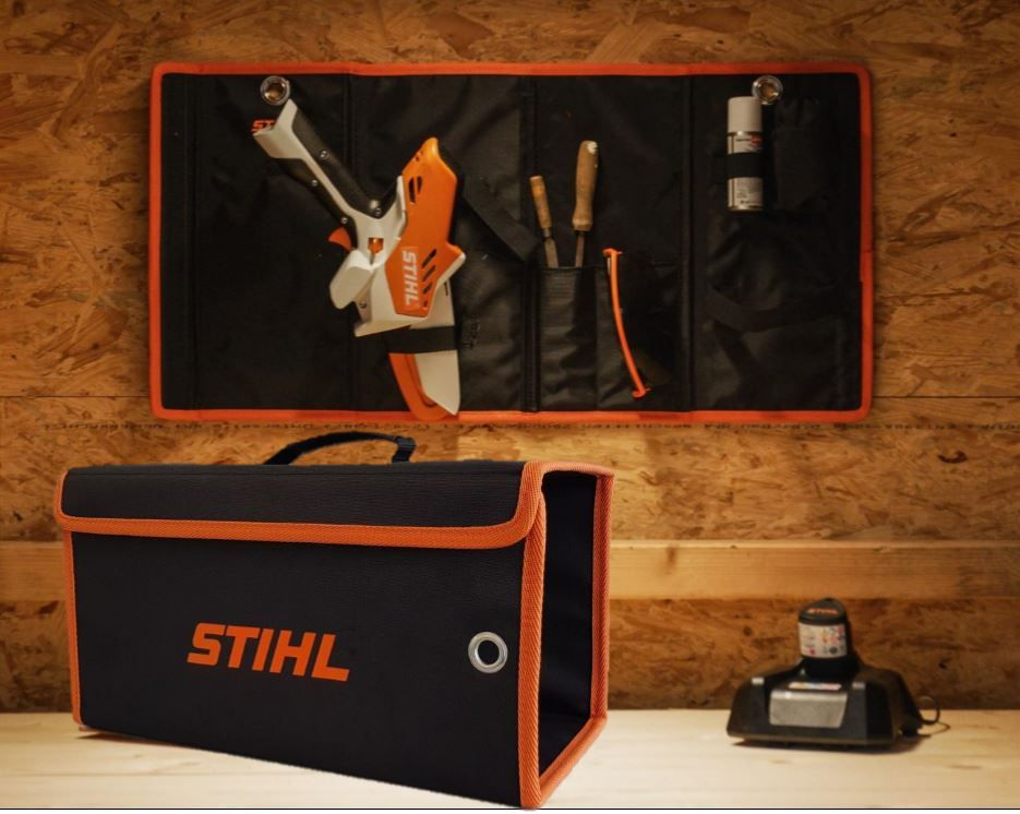 Carrying case for safe storage and transportation