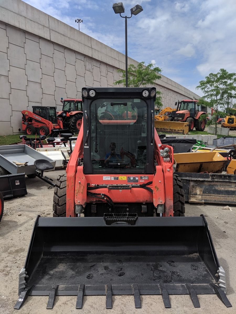 Kubota SSV75P Skid Steer Loader