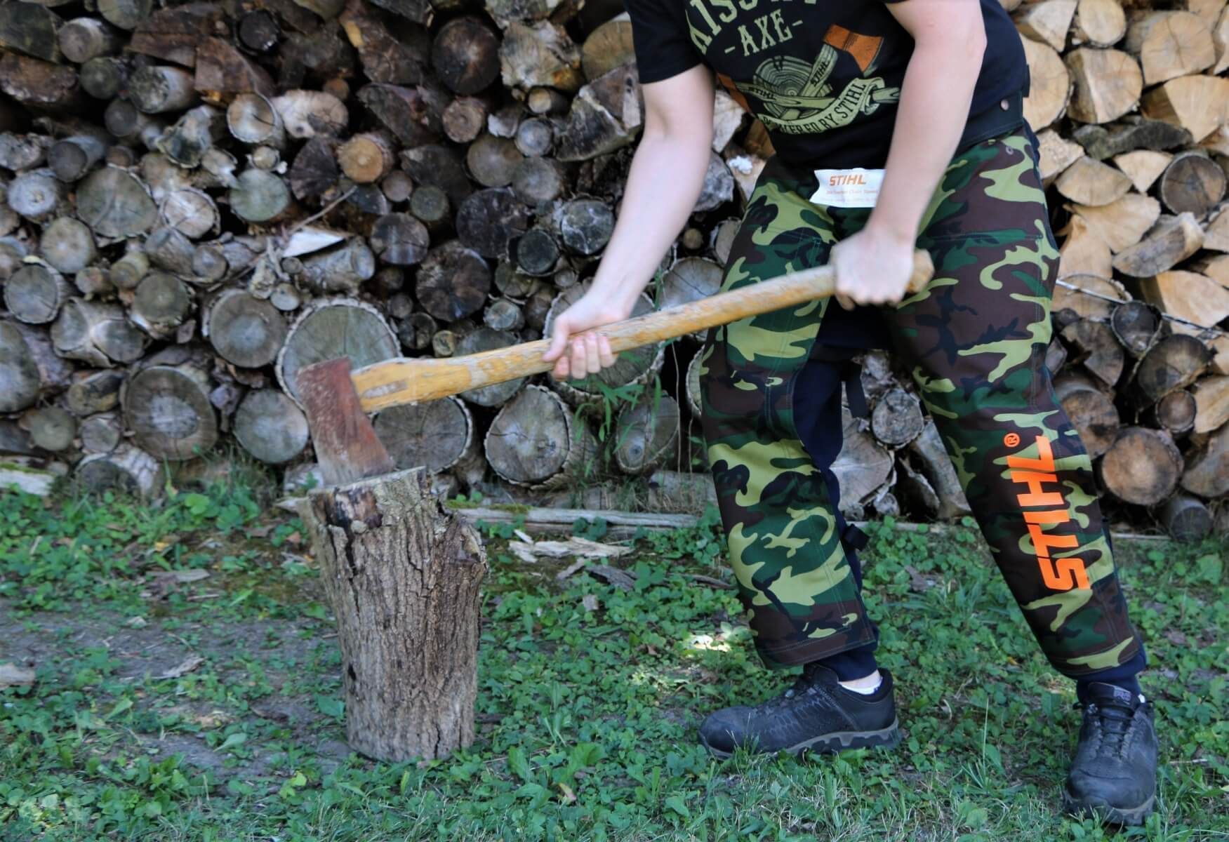 """STIHL Camo chaps are perfect for around the home or cottage.  Model is 5' 10"""""""