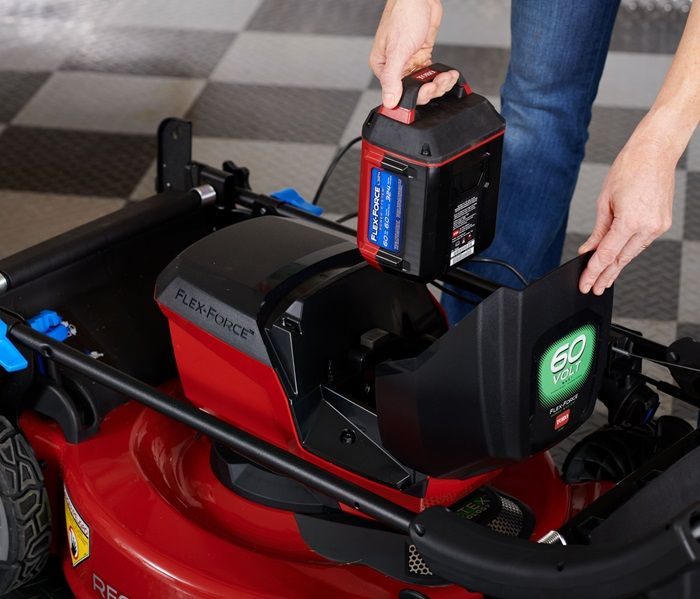 Starts the first time, every time! You can count on reliable starting and low maintenance with battery power. The 60 Volt battery has intelligent battery software to maximize run time and power.