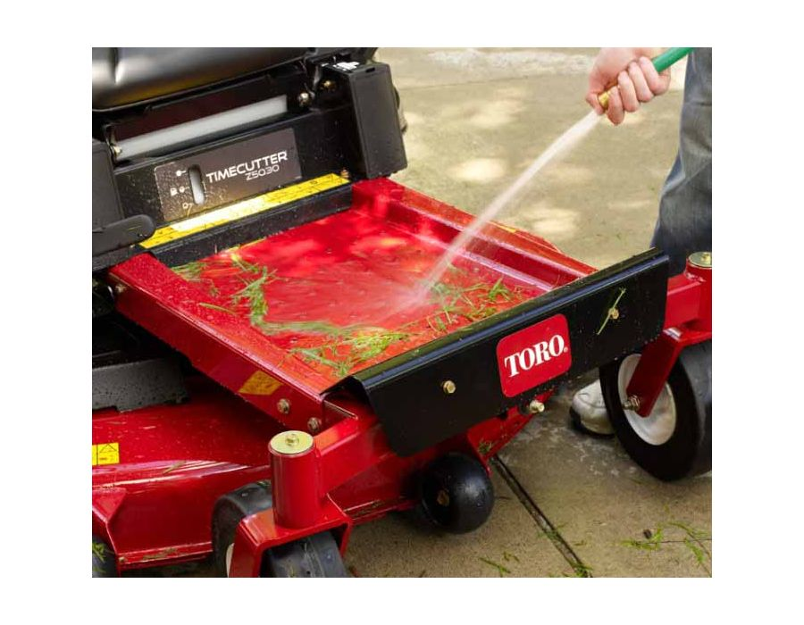 Simply hose down the floor pan after each use and keep your TimeCutter looking as good as new.