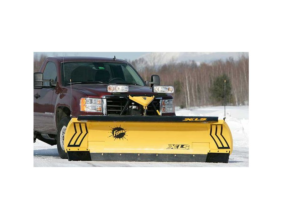 The width and carrying area of the XLS plow in scoop mode delivers significantly greater snow carrying capacity