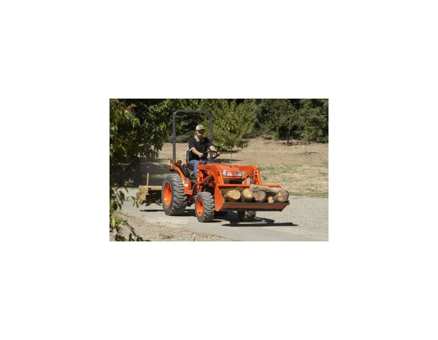 Kubota B2320DT Tractor In Action