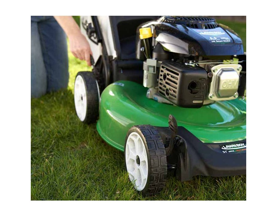 2 Point Height of Cut - Allows you to quickly adjust cutting heights from one side of the mower.