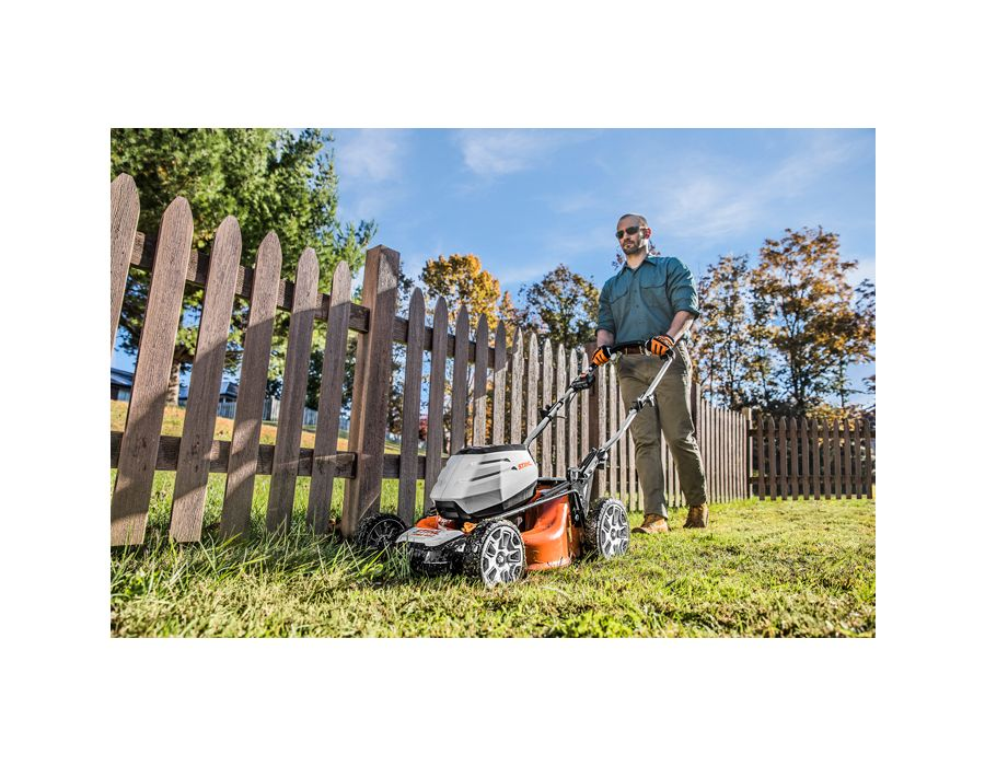 Includes three mowing options including mulch, side discharge, and rear bag