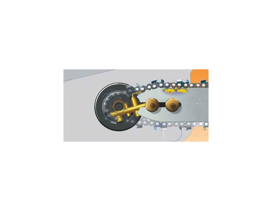 The Ematic chain lubrication system ensures pinpoint lubrication of the saw chain links and guide bar rails.