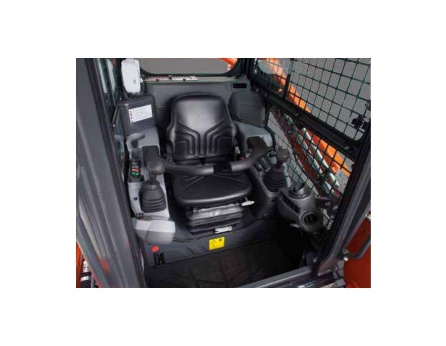 Spacious Interior Cab