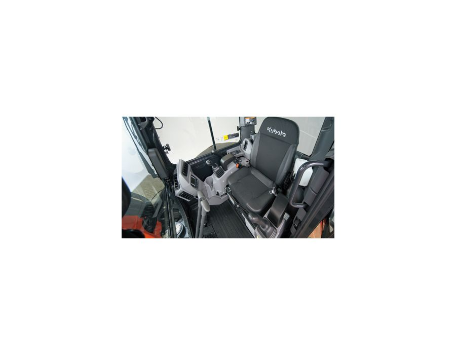New spacious cab - Kubota believes that operator comfort is a top priority. That's why the U35-4 is equipped with the same spacious cab as our larger 5-ton excavators. This roomy cab features a larger entrance, more legroom and an interior that is bot