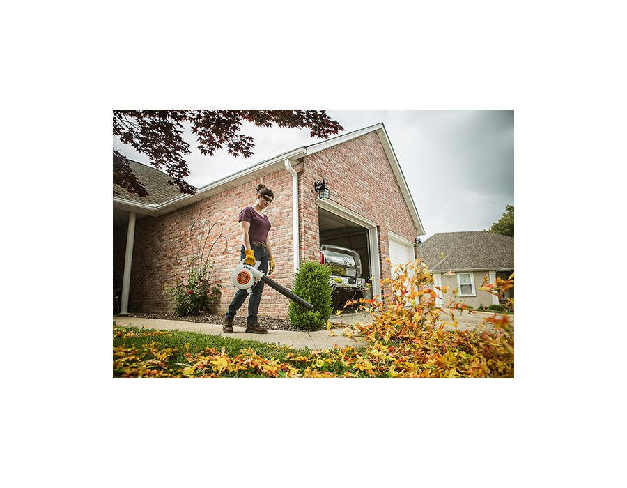 Clean up leaf piles quickly and easily