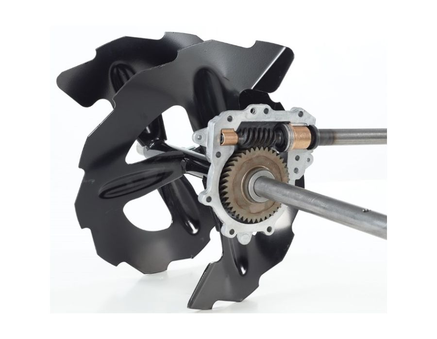 Commercial-Grade Auger Gearcase - Power is transferred to the serrated augers by a gearcase designed to withstand extreme stress, eliminating the need for troublesome shear pins.