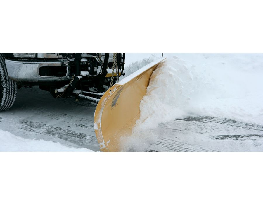 Fast responsive hydraulics maximize snowplowing efficiency.