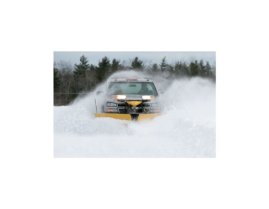 "taller at the outer edge and features a tighter blade curl, with graduating moldboard overhang that's 3½"" on outermost end of blade wings. All of this works together to keep snow rolling off to side instead of onto your windshield."