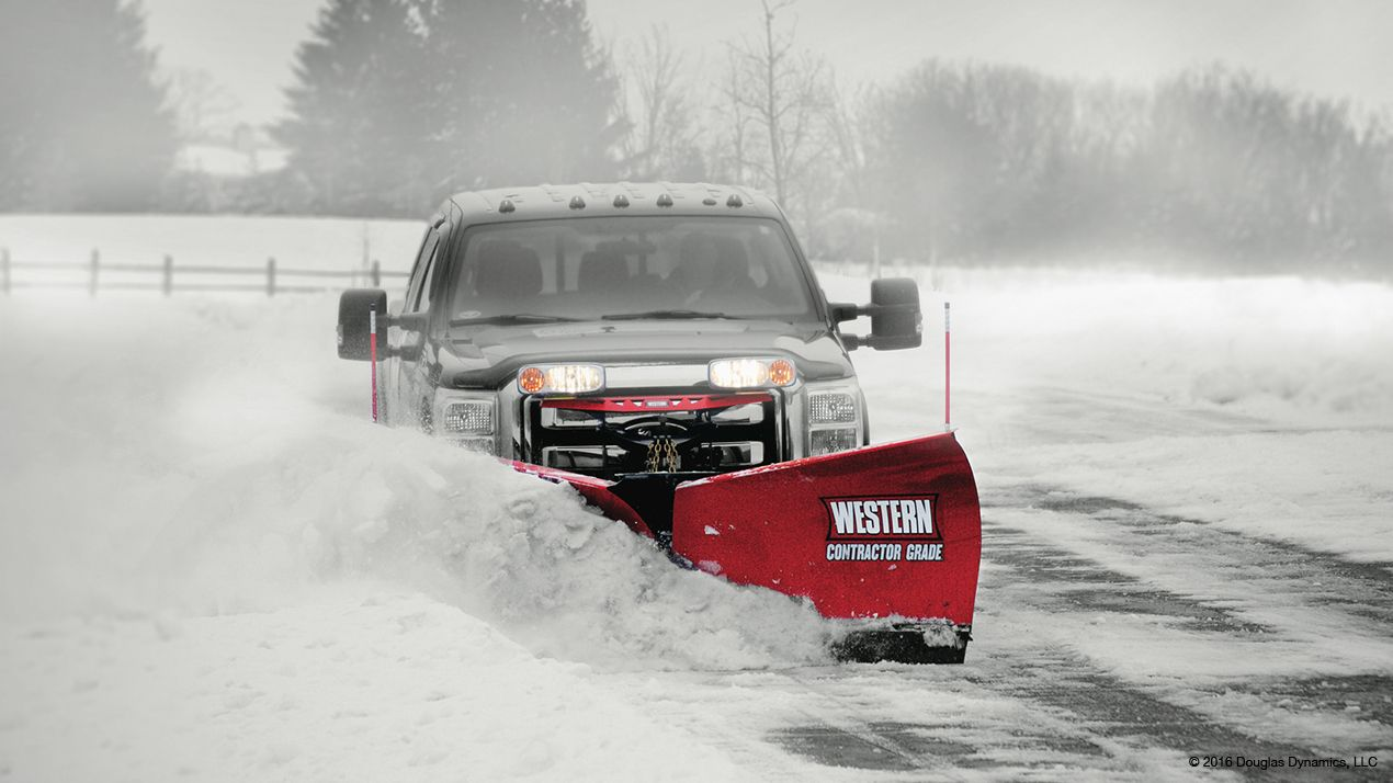 Western 9.5' Fleet Flex MVP3 MS Snowplow with Handheld controller