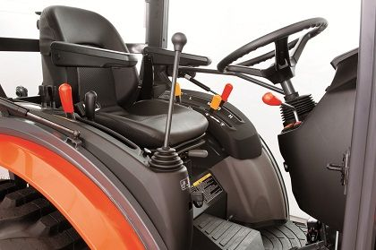 The loader lever is integrated with the lever console so it does not have to be retrofitted when mounting the loader.