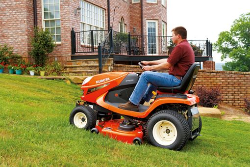 Kubota GR 2020 action shot
