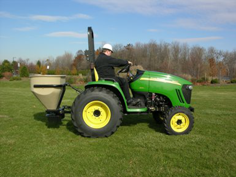 12 cubic foot capacity spreader with 30' spreading width