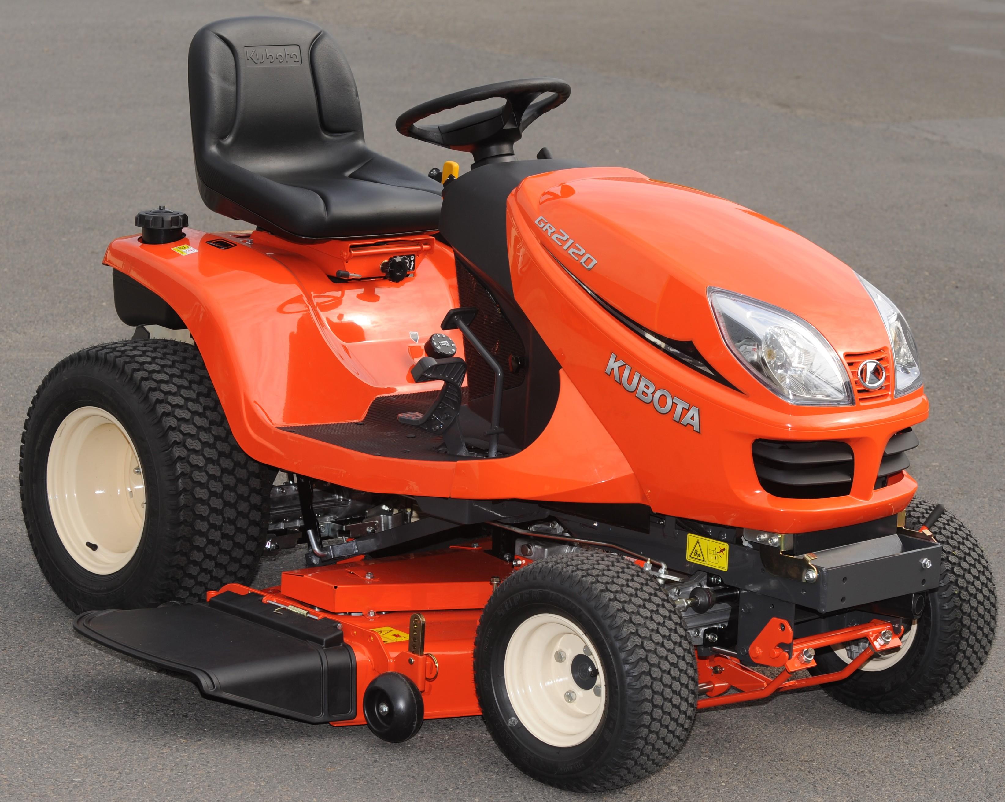 Kubota 21hp Diesel GR2120 Lawn and Garden Tractor