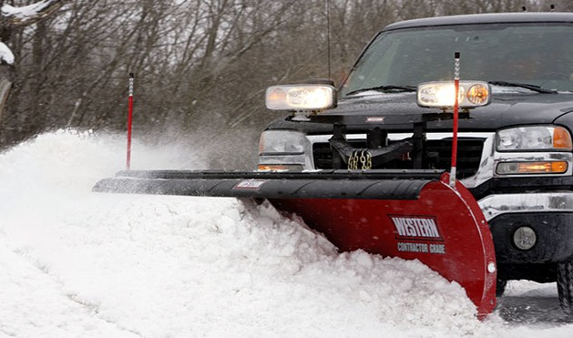 Western 8.5' Fleet Flex PRO Plus Snowplow with Handheld Controller